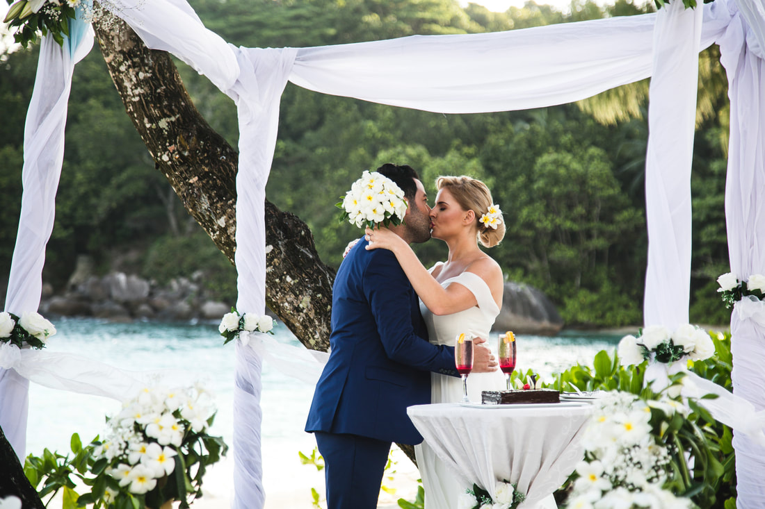 Wedding Photographer Seychelles at Avani Resort
